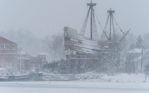 'Mayflower II' replica braves the February 2015 winter cold during restoration at Mystic Seaport